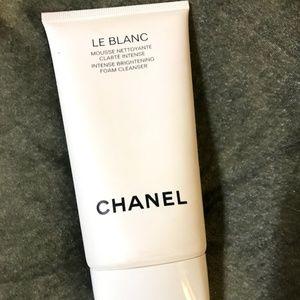 CHANEL Makeup - Chanel LE BLANC Intense Brightening Foam Cleanser